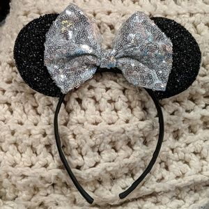 Accessories - Sequin Minnie Mouse Ears with Silver Bow